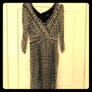 Tadashi Shoji XL stretch chiffon grey print dress